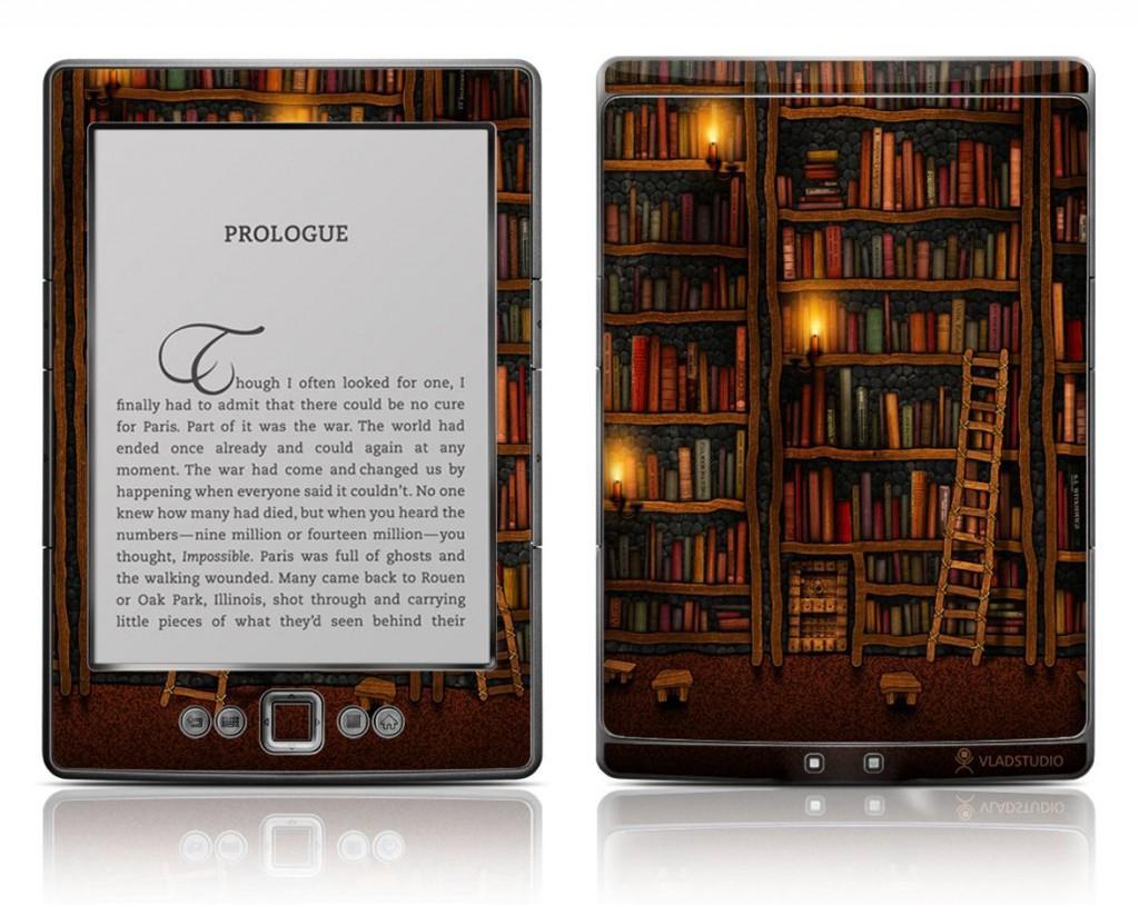 Skins können echte Hingucker sein; dieses hübsche Bibliotheks-Motiv ist mit rund 20 Euro aber nicht ganz billig und schützt zudem das Kindle-Display nicht. (Bild: Amazon, Bezug unter: http://www.kindle-tipps.de/b40j)